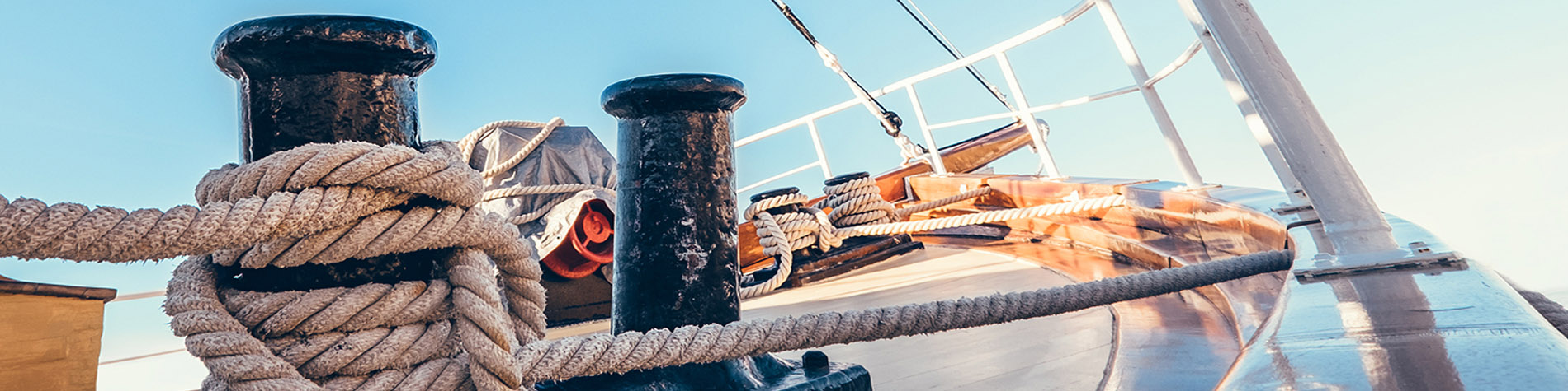 Boat deck and mooring lines